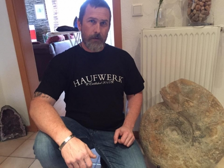 "HAUFWERK ""Established""-Shirt (L)"